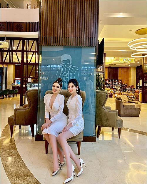 Hoa hậu Kỳ Duyên đọ sắc bên Á hậu Huyền My khi cùng tham dự một sự kiện.