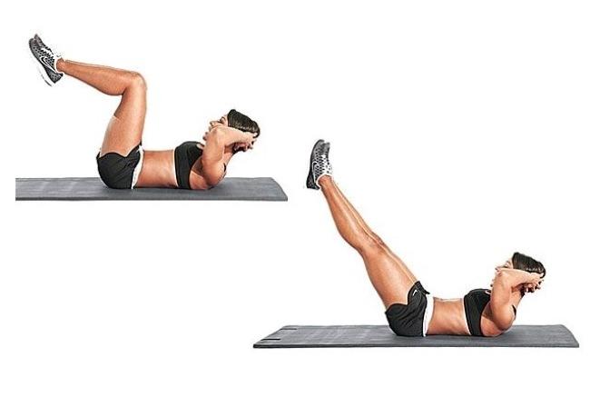 Tiếp tục tư thế nằm ngửa, hai tay đan vào nhau đỡ sau gáy, đầu nâng cao, đầu gối gập tạo góc 90 độ. Duỗi thẳng chân, giữ khoảng 20 giây rồi trở về tư thế ban đầu. Lặp lại động tác 20 lần.