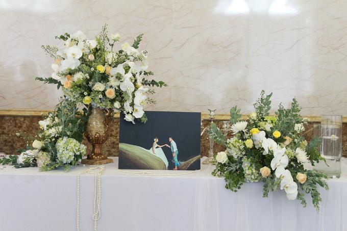 Tiệc cưới tông trắng, vàng của Hoa hậu Đại dương tại Cần Thơ