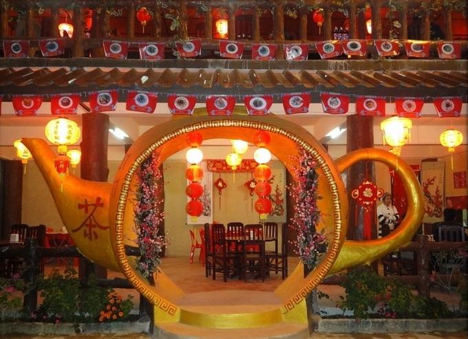 Bình yên ở 'Phượng Hoàng cổ trấn' của Thái Lan