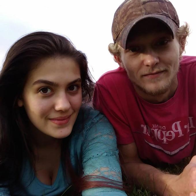 Dacia (23 tuổi) và chồng Marcus (26 tuổi) ở bang Ohio, Mỹ. Ảnh: Facebook.