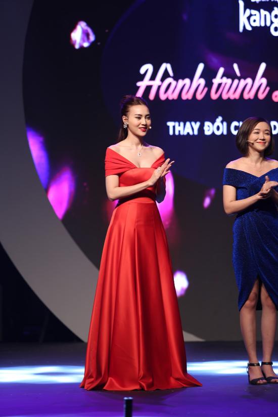 Ninh Dương Lan Ngọc xinh đẹp xuất hiện trên sân khấu Đêm Gala Tỏa sáng - show truyền hình thực tế về phẫu thuật thẩm mỹ