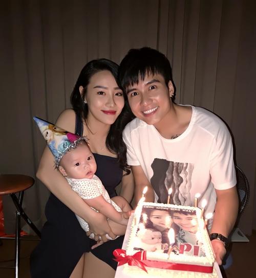 Gia đình hạnh phúc của diễn viên Mạnh Quân.
