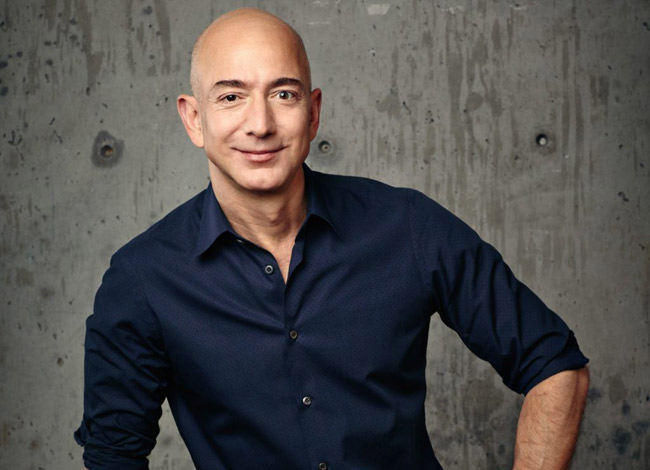 Jeff Bezos ông chủ gã thương mại điện tử khổng lồ Amazon đến từ nhóm ngành công nghệ và là người giàu nhất thế giới hiện nay. Ảnh: Entrepreneur.