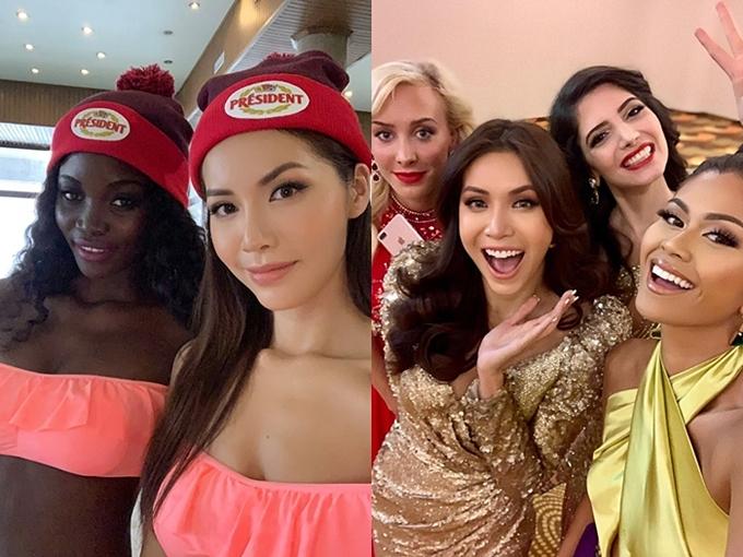 Minh Tú có khả năng nói tiếng Anh lưu loát nhờ sự chăm chỉ trau dồi và kinh nghiệm tham gia chương trình Asias Next Top Model. Cô dễ dàng kết bạn với nhiều thí sinh nước khác.