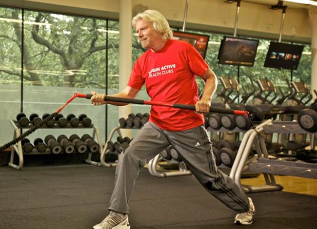 Ở tuổi 68 tỷ phú Richard Branson vẫn tập thể dục đều đặn mỗi ngày. Ảnh: Virgin.