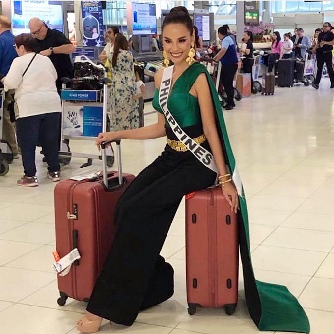 HHen Niê diện đầm ôm khoe dáng tại sân bay Bangkok - 4