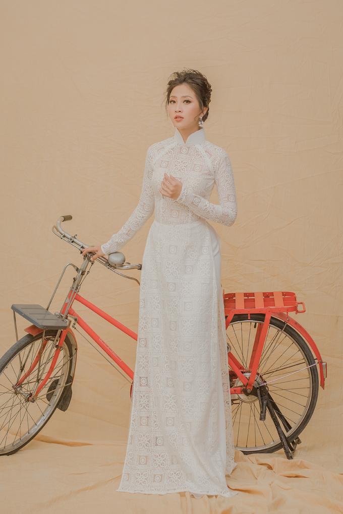 MC Liêu Hà Trinh gợi ý áo dài đính ren cho tân nương