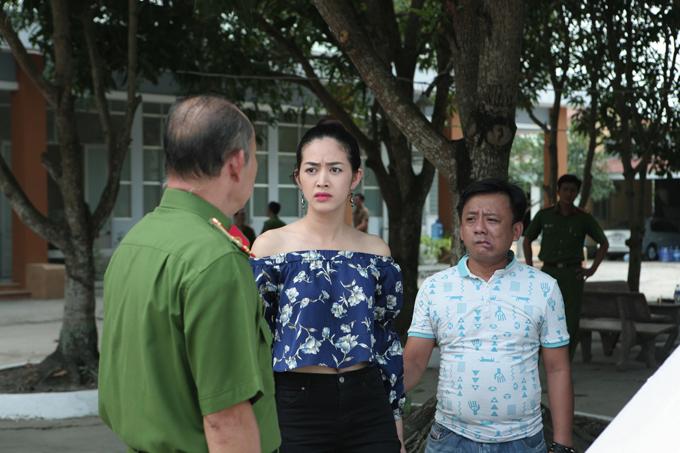 Ở  Kẻ ngược dòng, đạo diễn Võ Ngọc và DOP Hoàng Tích Thiện còn thêm các pha hành động, rượt đuổi, những màn võ thuật tăng thêm phần kịch tính cho bộ phim đề tài xã hội.