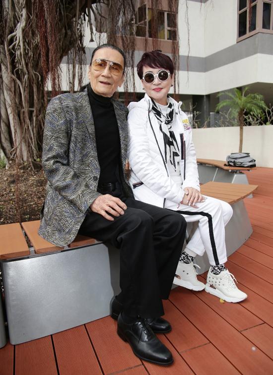 Bố mẹ chồng cũ bất ngờ khi nghe tin Trương Bá Chi sinh con - 3