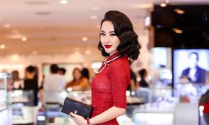 Angela Phương Trinh 'mê' mặc gam đỏ để tôn làn da sáng