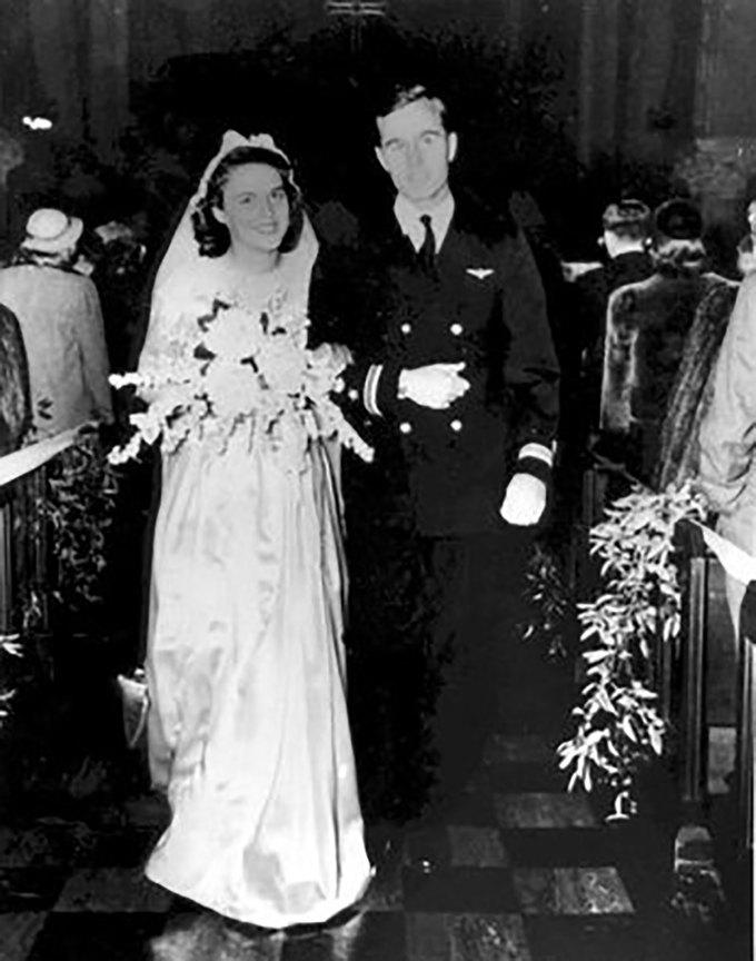 Cuộc hôn nhân 73 năm như tiểu thuyết của Bush 'cha' và vợ