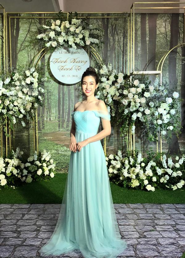 Dàn Hoa hậu, Á hậu làm phù dâu trong hôn lễ của và chồng đại gia - 10