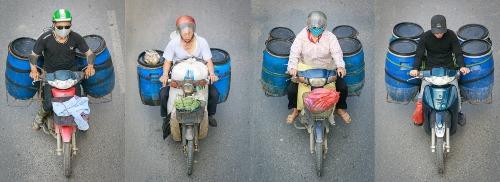 Thu gom cơm thừa canh cặn (Hà Nội, 2018).