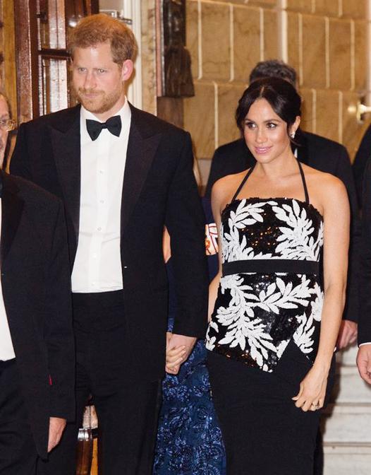 Vợ chồng Harry - Meghan dự buổi biểu diễn Royal Variety Performance thường niên tổ chức tại nhà hát London Palladium tối 19/11
