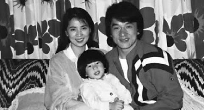Vợ chồng Thành Long, Lâm Phụng Kiều và con trai.