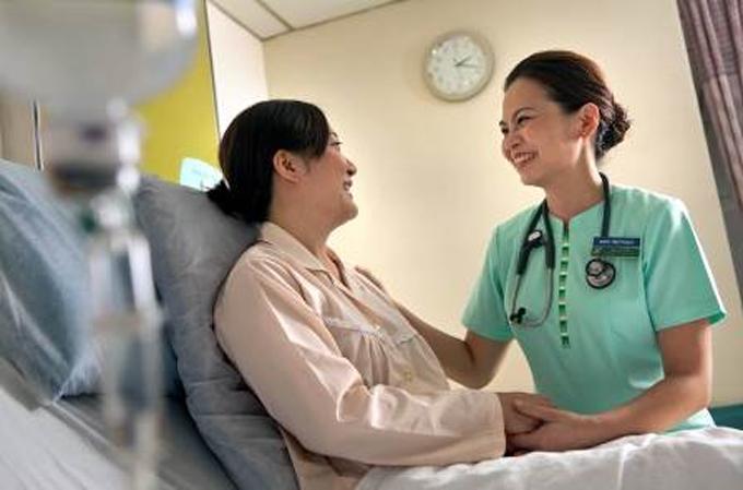 Hệ thống y tế và chăm sóc sức khỏe cao cấp nằm ngay trong các khu dân cư tại Singapore.