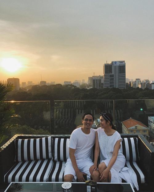 Khoảnh khắc bình yên và hạnh phúc của Hà Tăng bên ông xã  Louis Nguyễn.