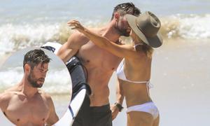 Chris Hemsworth và bà xã hơn 7 tuổi tình tứ trên bãi biển