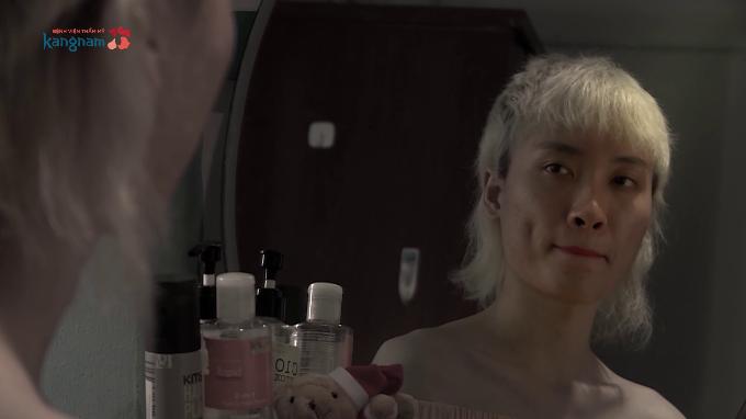 Trần Ngọc Sang sinh ra với hình hài nam giới nhưng khát khao được sống với diện mạo con gái.