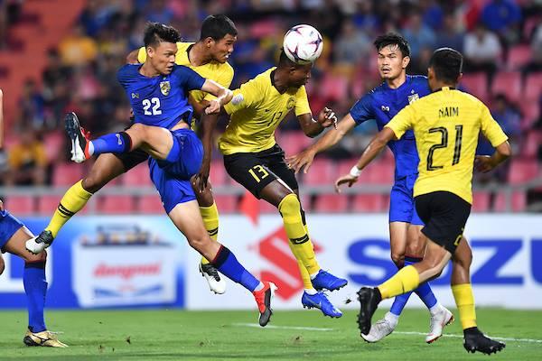 Sút hỏng penalty phút bù giờ, Thái Lan bị loại - 1