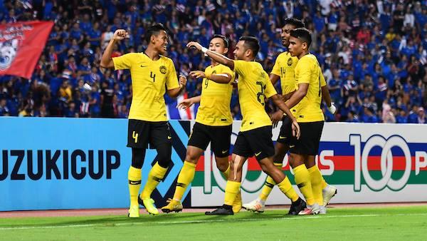 Sút hỏng penalty phút bù giờ, Thái Lan bị loại