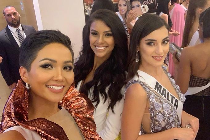 HHen Niê được khen vì tuân thủ yêu cầu ban tổ chức Miss Universe - 3