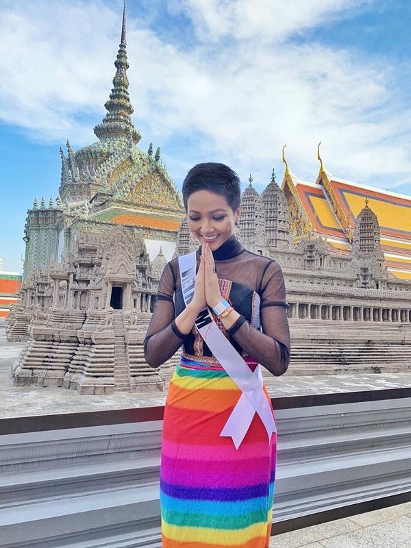 HHen Niê được khen vì tuân thủ yêu cầu ban tổ chức Miss Universe - 4