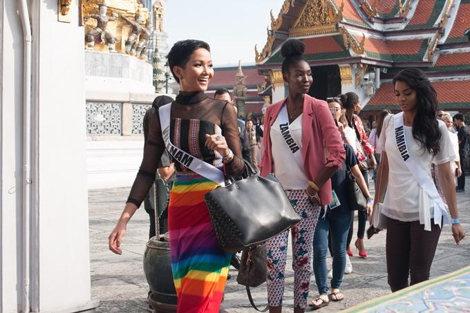 HHen Niê được khen vì tuân thủ yêu cầu ban tổ chức Miss Universe - 7