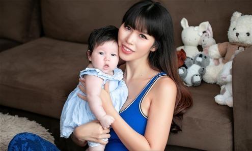 Hà Anh lần đầu tiết lộ những khó khăn khi làm mẹ