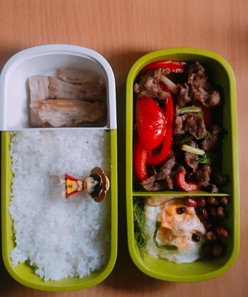 Thùy muốn chồng có bữa trưa sạch sẽ, đủ chất để ăn sau đó tranh thủ thời gian nghỉ ngơi ở văn phòng.