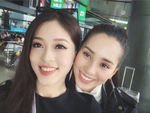Á hậu Phương Nga selfie cùng Hoa hậu Tiểu Vy.