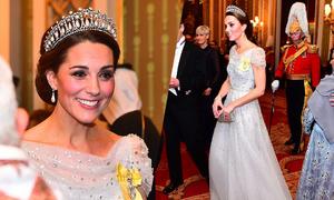 Kate 'ghi điểm' bằng váy công chúa và vương miện của Diana