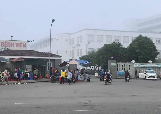 Khu vực nới nhóm côn đồ ngăn xe cứu thương.