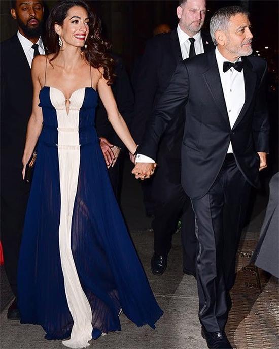 Buổi tối trước đó, Amal cùng George tham dự lễ trao giải tại Liên Hợp quốc.