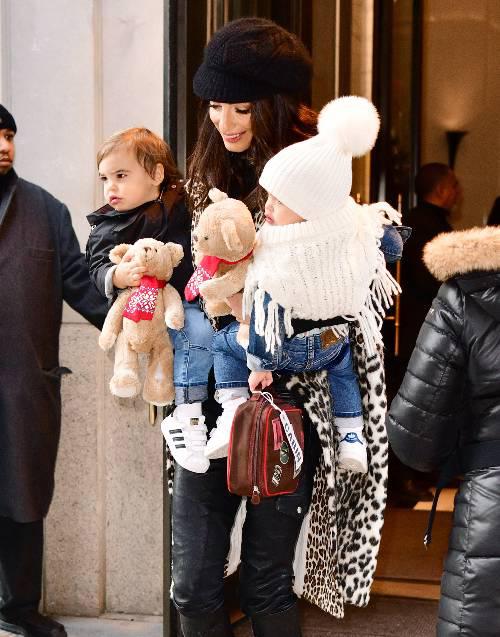 Alexander và Ella chào đời vào tháng 6/2017. Hai bé là con đầu lòng của George Clooney và nữ luật sư Amal.