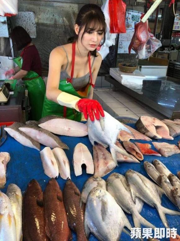Cô gái bán cá nóng bỏng nhất Đài Loan