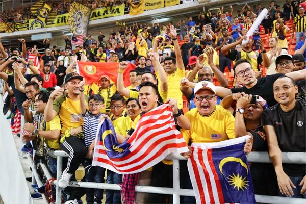 Fan cuồng nhiệt của Malaysia háo hức chờ đợi hai trận đấu