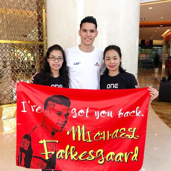 Michael Falkesgaard bắt chính ở trận lượt đi nhưng ngồi dự bị trận lượt về vì chấn thương.