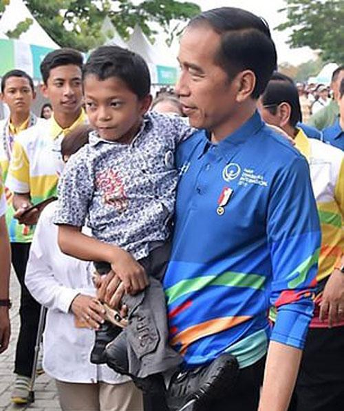 Adul hội ngộ Tổng thống Widodo hôm 3/12. Ảnh: AsiaWire.