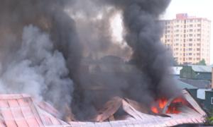 500 công an dập đám cháy tại trung tâm thành phố Vinh