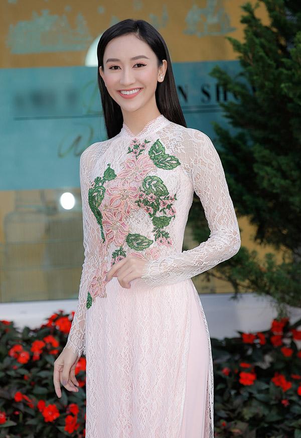 Vân Trang lên Đà Lạt diễn show của Hằng Nguyễn - 4