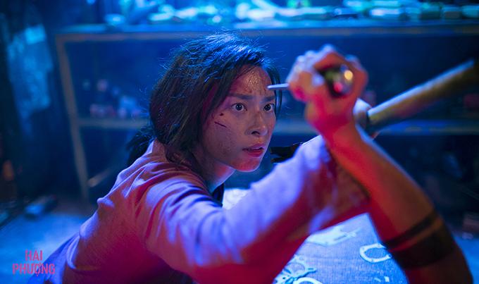 Ngô Thanh Vân một mình đấu tay đôi với đám người bắt cóc.