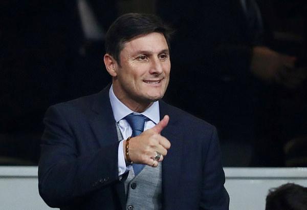 Cựu sao Inter,  Javier Zanetti, cũng không bỏ lỡ cuộc so tài của hai đội bóng đồng hương.