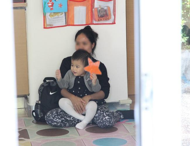 Con gái khiếm thính của Á hậu Hong Kong bình phục sau cấy ốc tai điện tử - 6