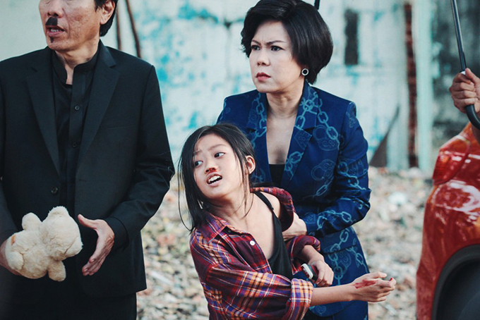 Việt Hương diễn nhiều cảm xúc trong phim Mặt trời, con ở đâu. Ảnh: Yeah1.