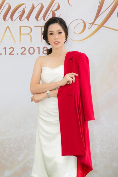 Hoa hậu Tiểu Vy hội ngộ Á hậu Phương Nga trong tiệc ở Queen Plaza - 3