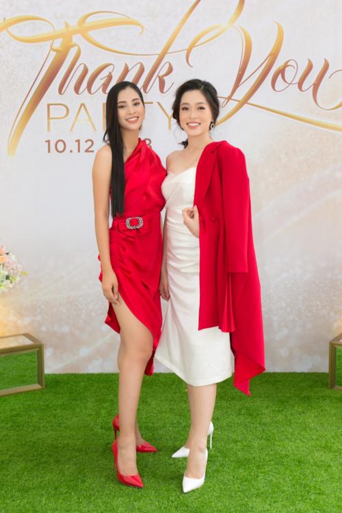 Hoa hậu Tiểu Vy hội ngộ Á hậu Phương Nga trong tiệc ở Queen Plaza - 2