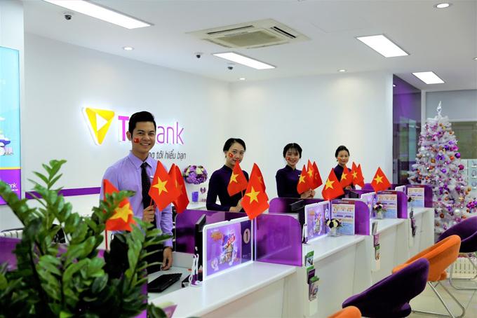 Nhân viên của TPBank luôn nhiệt tình hỗ trợ, phục vụ khách hàng chu đáo.