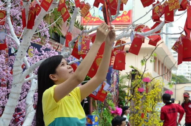 8 tục lệ bình thường ở Việt Nam nhưng thần bí trong mắt người nước ngoài